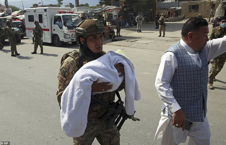Two newborn babies,12 others killed by suspected ISIS gunmen at a maternity ward in Afghanistan (graphic photos)