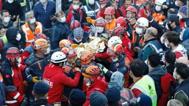 3-year-old girl pulled alive four days after the Turkey earthquake (Photos/Video)