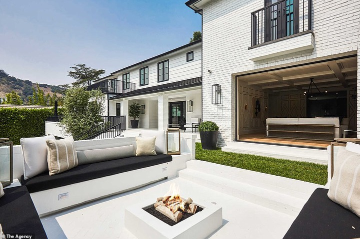 See inside the $13.8Million Mansion Rihanna just bought in Beverly Hills (photos)