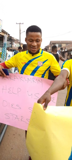 Sunshine players protest over three months unpaid salaries in Ondo State (photos)