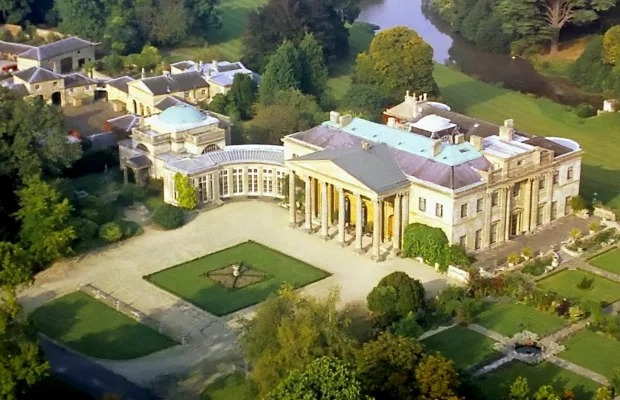 c822c513b56458eb3fe76783123b5ccf?quality=uhq&resize=720 Inside billionaire Sir James Dyson's massive country pad that is big enough to fit nearly 18,000 homes (photos)