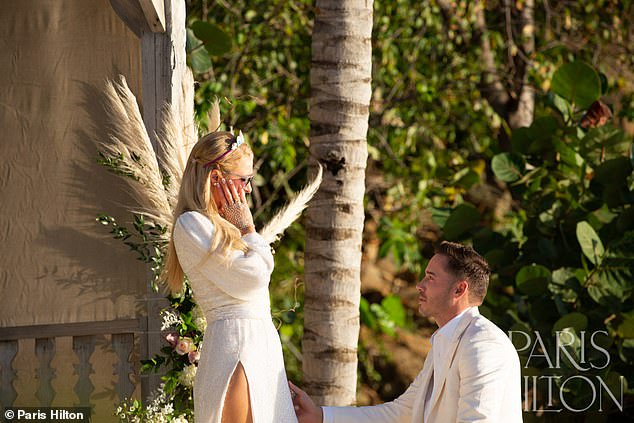 Paris Hilton is engaged for a fourth time with huge emerald diamond ring (Photos)