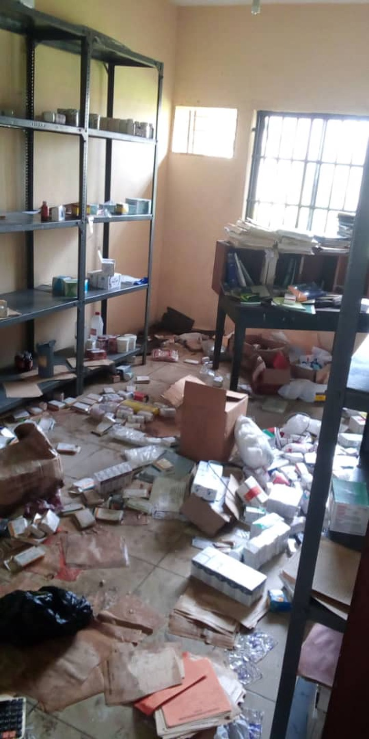 Moment hoodlums invaded the Federal Neuro-Psychiatric Hospital in Calabar to loot office equipment and