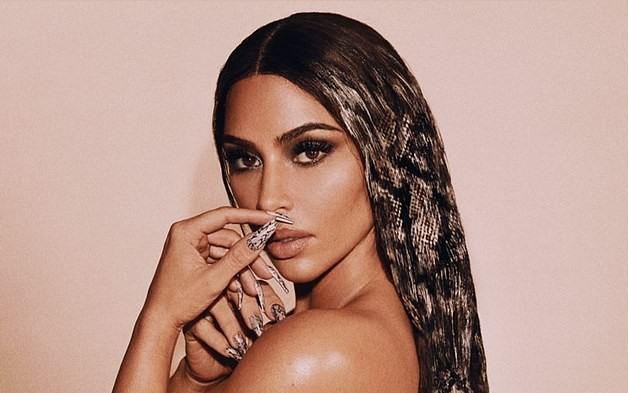 Kim Kardashian snakeskin tresses