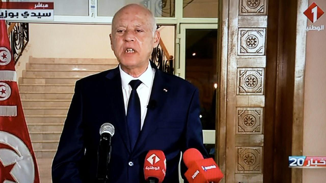 Le président tunisien maintient les mesures d'exception