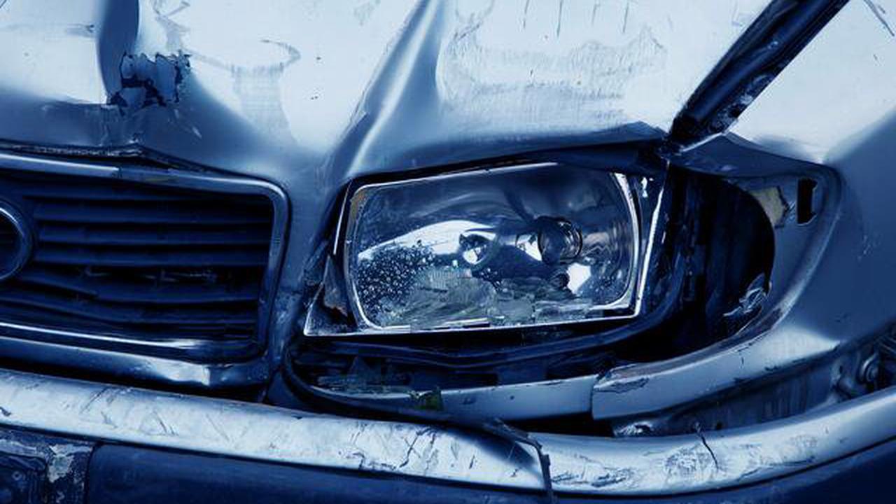Zeugenaufruf nach Verkehrsunfallflucht: Gesamtschadenshöhe beläuft sich auf 1.500 Euro