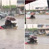 Les images de cette mère coincée sous la pluie vont lui fendre le cœur et la pousser à réagir