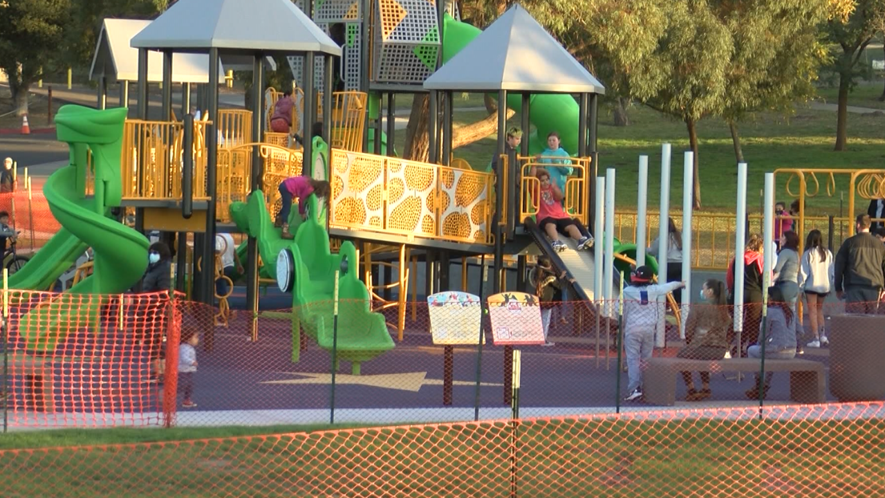 New Lompoc playground prompts reminders about COVID-19 safety precautions