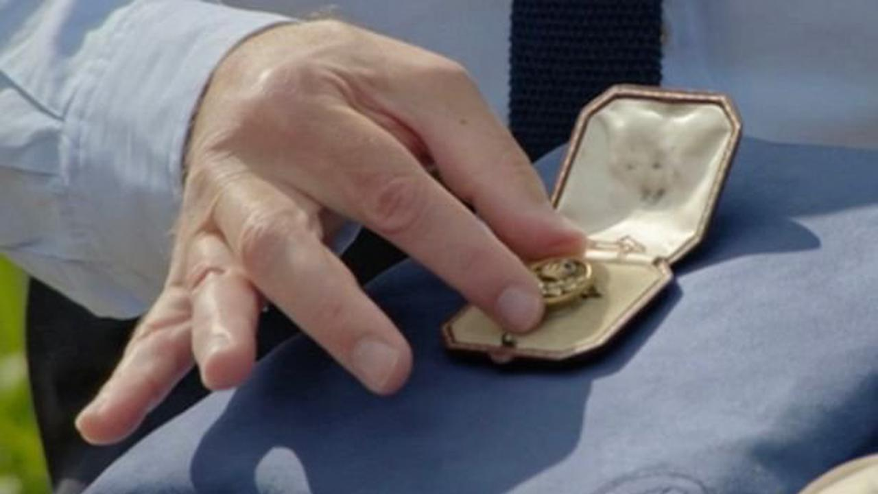 Antiques Roadshow fans baffled by a tiny brooch's huge value thanks to its history