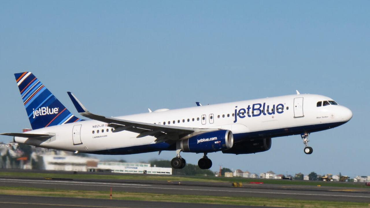Rapper Lil Pump Banned From Flying With JetBlue