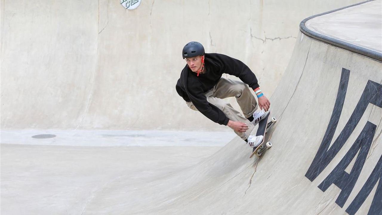 Trotz Armbruchs! Deutscher Skateboarder geht an den Start