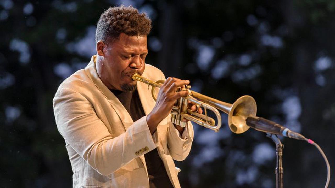Keyon Harrold: Jazz musician claims woman assaulted his son after false theft accusation