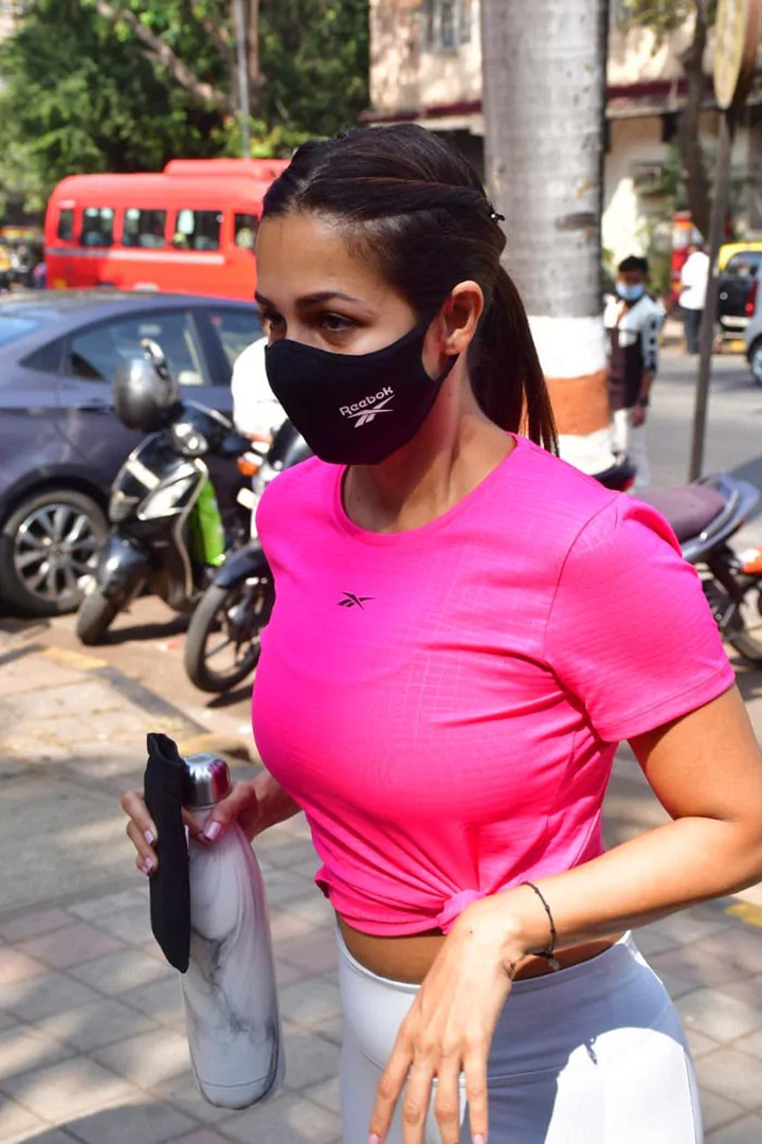 5 Hot Photos Of Rakul Preet's Gym Outfits