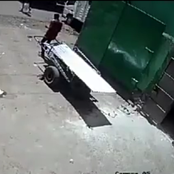 (Video) Dandora :Daring Thug Steals 60 Pieces of Iron Sheets Belonging To A Business Woman