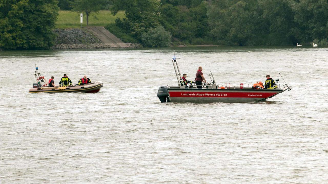 Badeunfall am Rhein in Duisburg: Zwei Mädchen werden vermisst