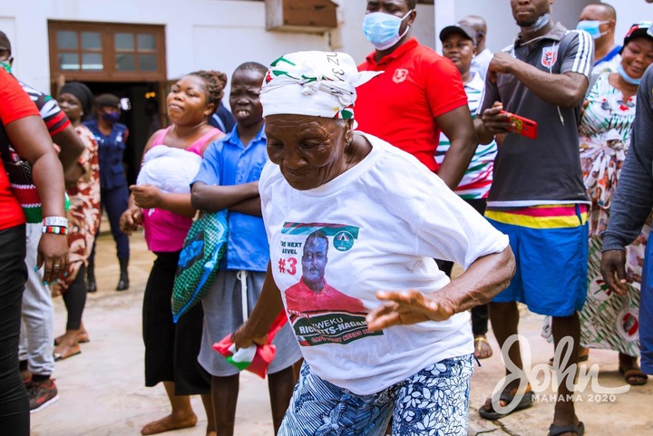 0323d8841e012b23d454ee87c75890d6?quality=uhq&resize=720 - An Aged Die Hard Fan Of Mahama Overwhelms Him With Her Massive Love And Support(Photos)