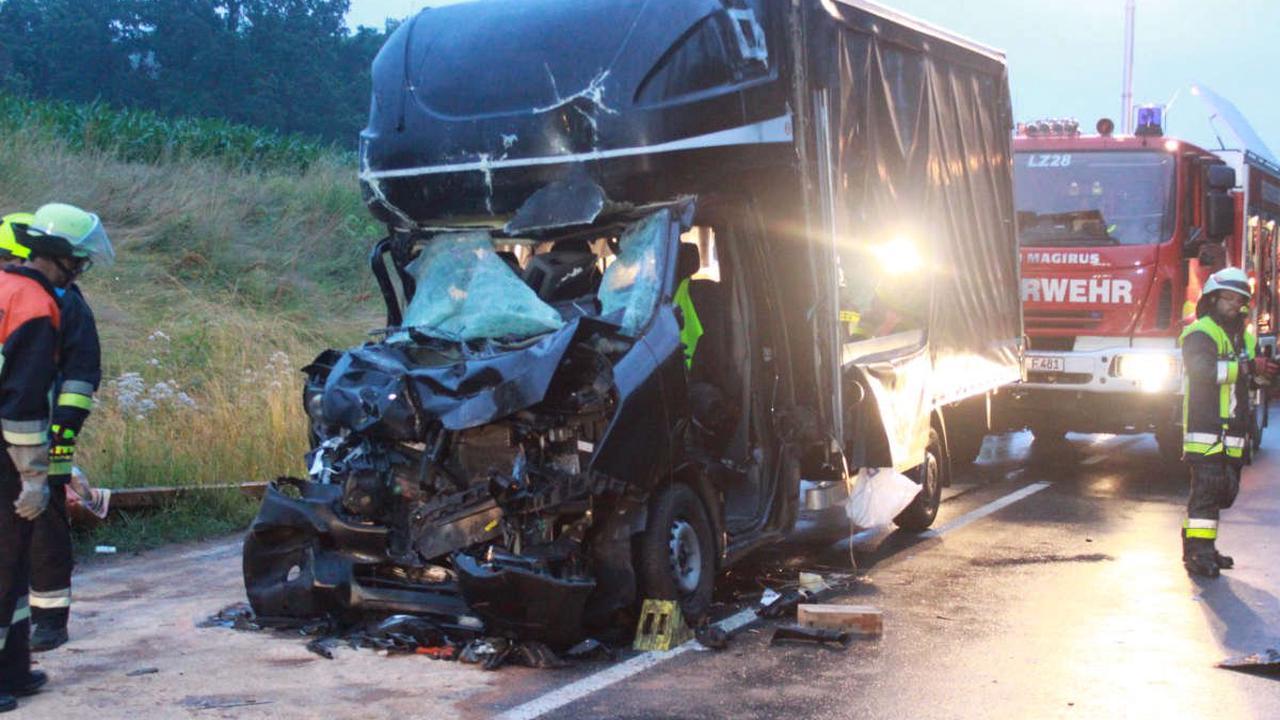 Schwerer Unfall im Kreis Bayreuth: Fahrer schwer verletzt
