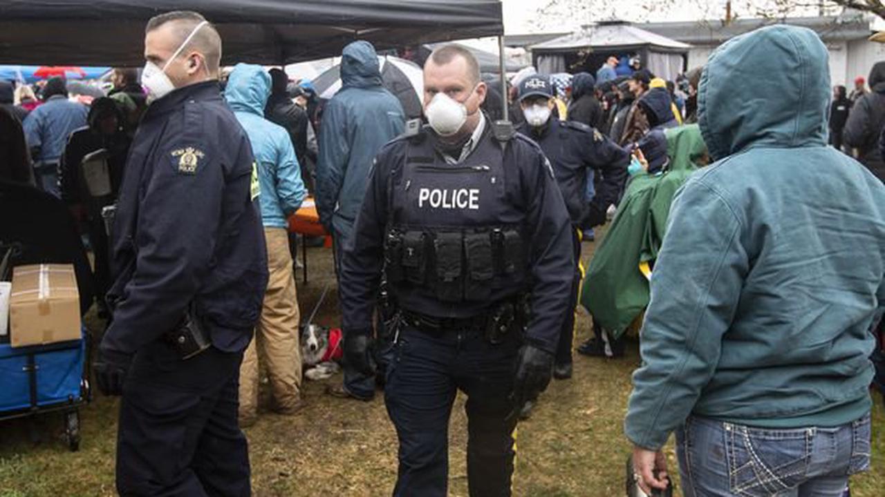 Alberta police arrest three anti-lockdown protesters