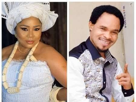 'Did he actually kiss Regina's mum' fans reacts to Odumeje celebrating with Rita Daniels (video)