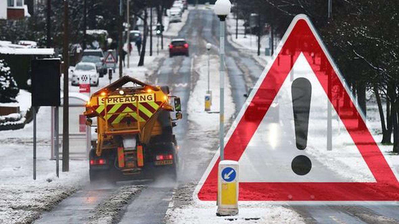 Snow LIVE: Supermarkets cancel deliveries as heavy snow makes roads impassable