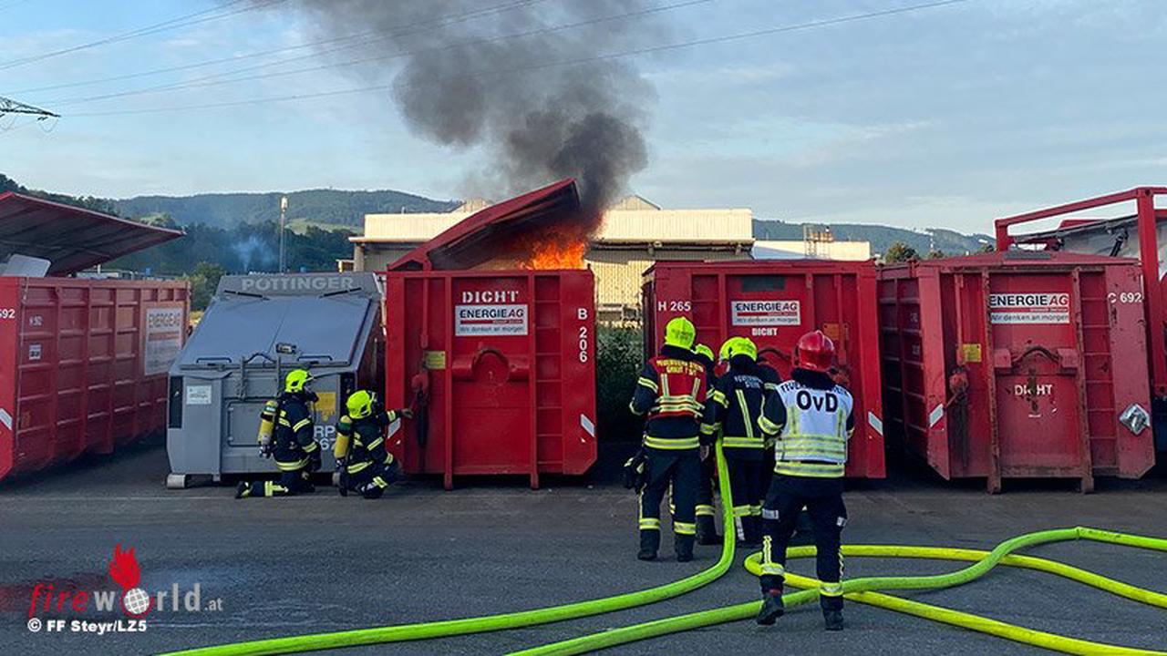 Oö: Container mit Werkstattabfällen geriet in Steyr in Brand