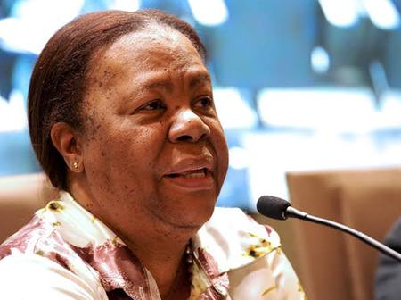 Naledi Pandor is issuing officials suspensions top to bottom, see why ?