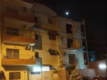 Côte d'Ivoire : un autre immeuble se détache et s'effondre sur des véhicules à Cocody Bonoumin
