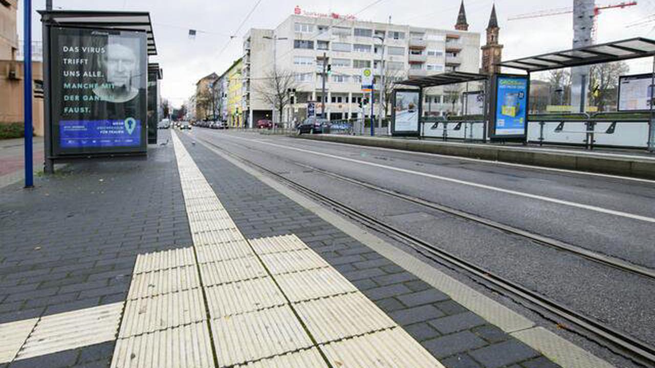 Neun Bushaltestellen werden im Stadtgebiet Linden umgebaut