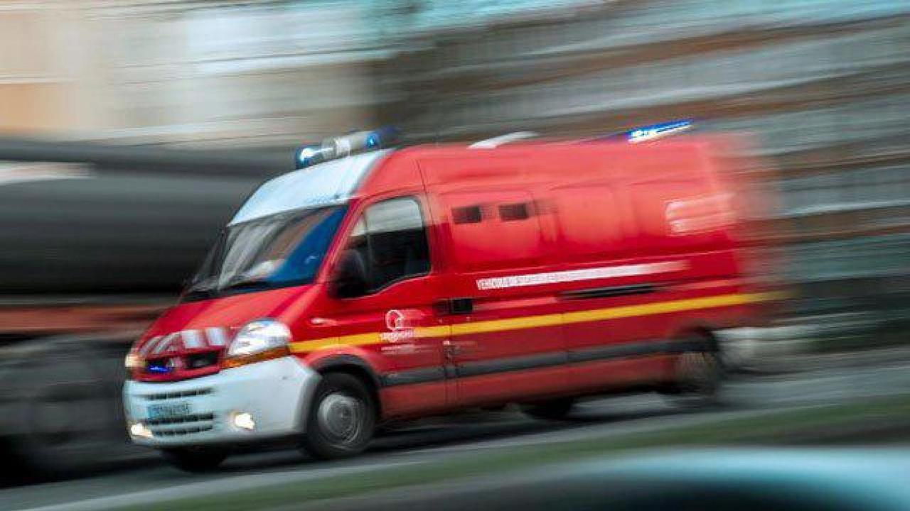 Collision entre un véhicule de sapeurs pompiers et une voiture