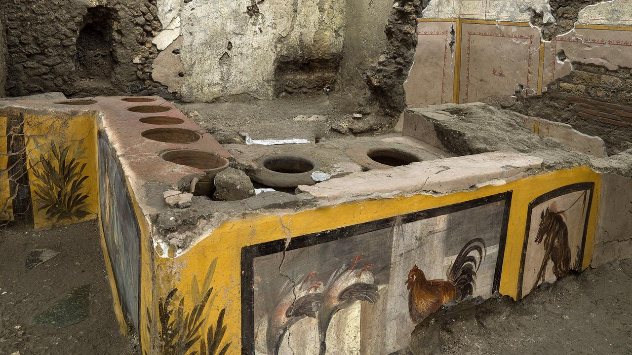 Excavation of Pompeii fast-food 'eatery' reveals popular ancient dishes