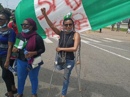 Jane Obiene, The Crippled Lady On End SARS Protest Gets N3.2m Donation In Less Than 4 Hours.