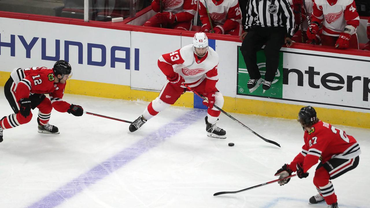 Red Wings get first win over Blackhawks in five tries