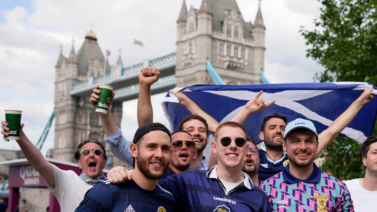 Ticketless Tartan Army urged to stay away for England clash