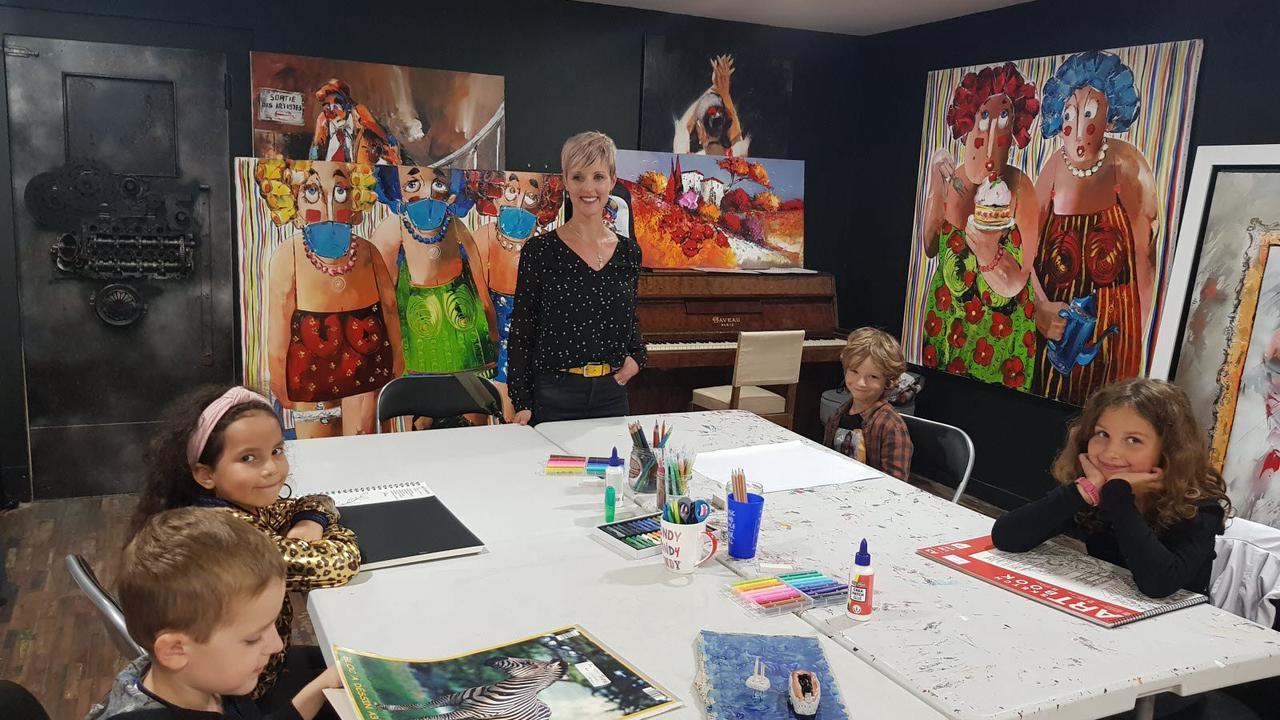L'infirmière non vaccinée démissionne et ouvre son école de peinture à Audincourt