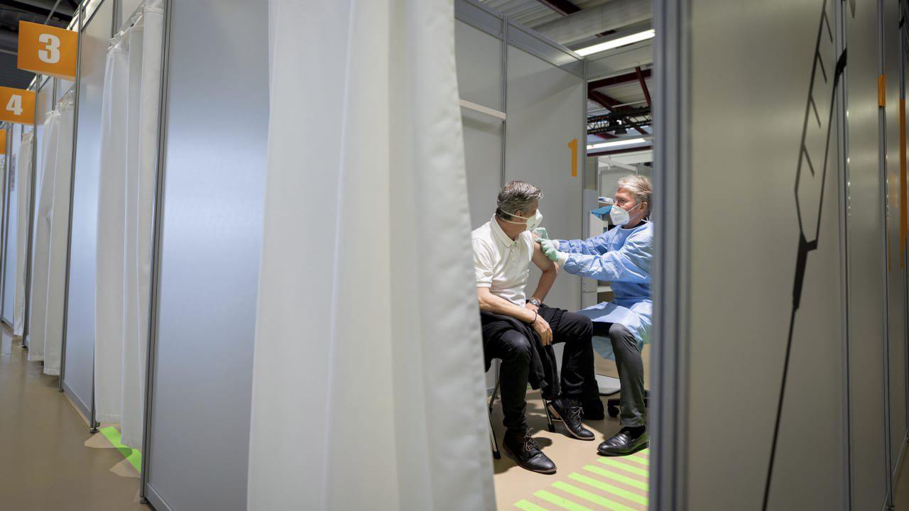 Impfzentren sollen in Bereitschaft bleiben