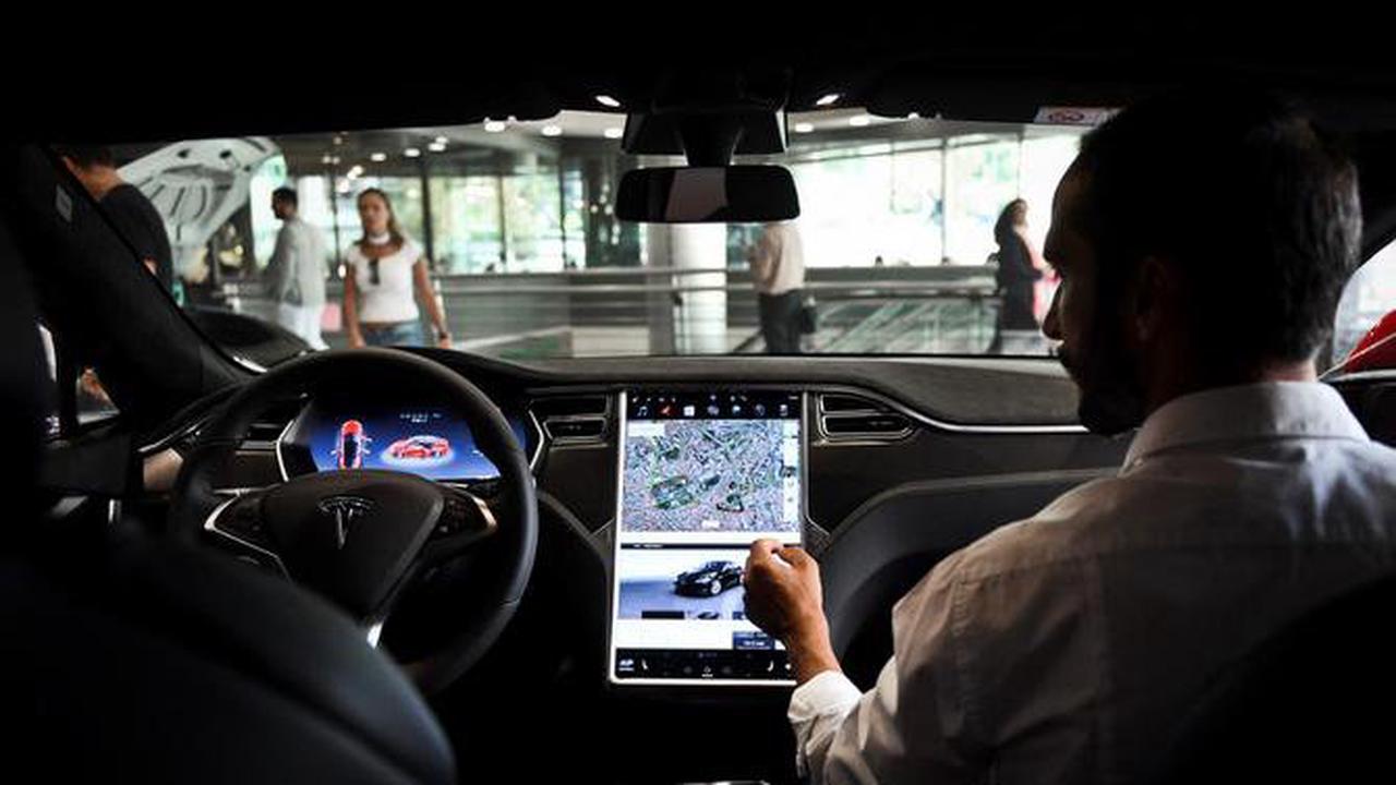 Tesla gagne pour la première fois plus d'un milliard de dollars sur un trimestre