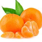 اليوسفي وعصير الليمون يعالج السموم والانتفاخ ..إليك فوائدهم المدهشة