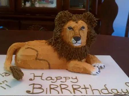 Check Out These 40 Attractive Birthday Cakes Carved Like Animals (Pictures)