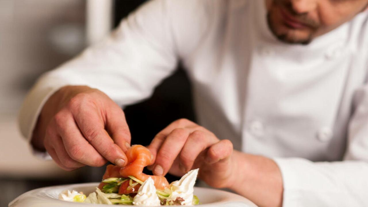 Axa débloque 300 millions d'euros pour ses clients restaurateurs