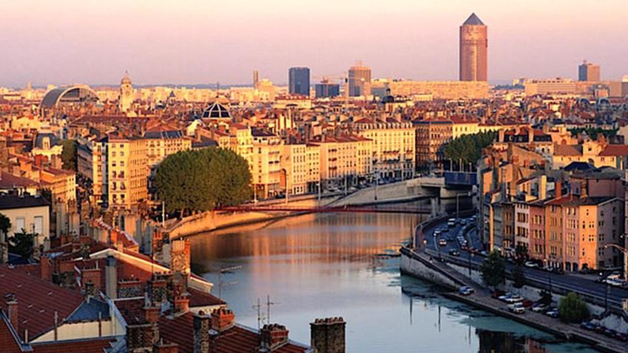 Pour le maire de Lyon, le Tour de France est machiste et polluant