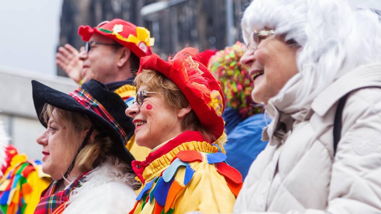 Köln: Rosenmontagszug 2023 auch auf der Schäl Sick