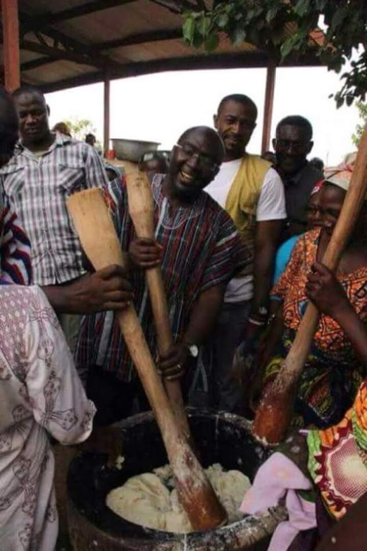 0c1ec23048248bd5b12ea94551393863?quality=uhq&resize=720 - Top 5 Ghanaians Politicians Who Went 'Extra Mile' To Solicit For Votes
