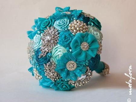 Catch Attention With This Lovely Brooch Bouquet for Your Wedding This Saturday