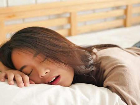 Do you also get saliva from your mouth at bedtime?