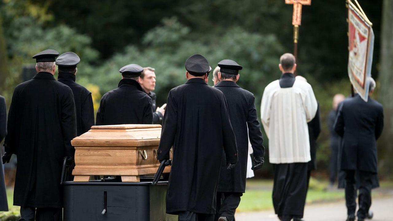 Kölner Südfriedhof: Teil gehört zu Großbritannien
