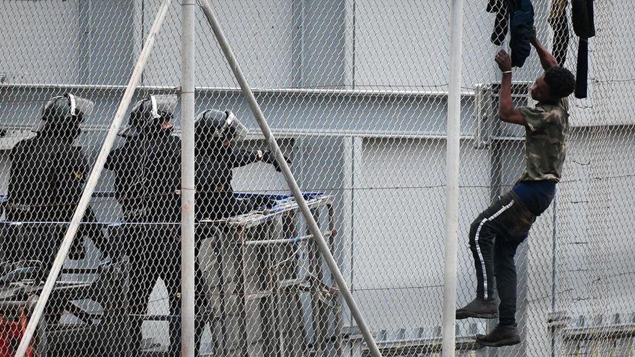 Espagne: plus de 200migrants entrent dans l'enclave de Melilla