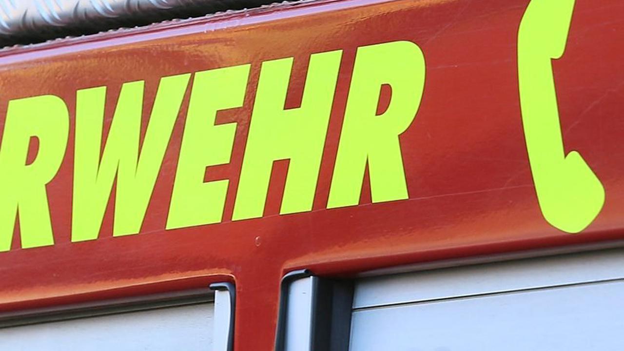 HA+ Feuerwehr im Kurpark: Alte Halle brennt schon wieder
