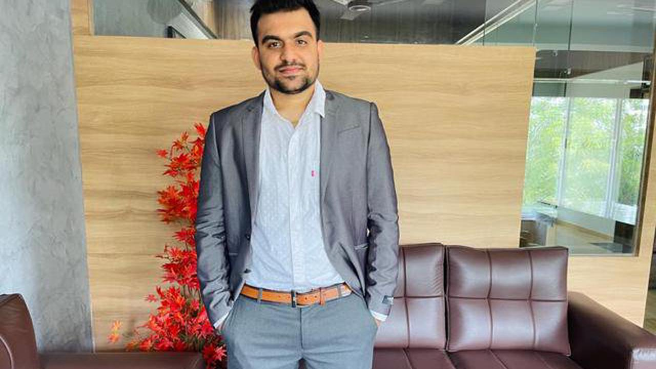 Aditya Khakhria is raising the bar in the 20's turning dreams into reality by awakening the youth with his digital head ideas