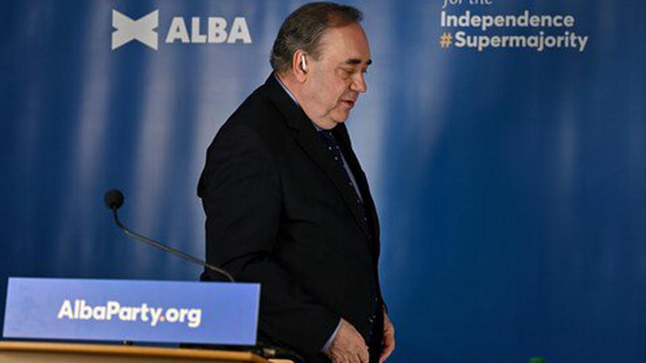 Sturgeon 'will not pick up phone to Salmond' even if he holds independence whip hand at Holyrood