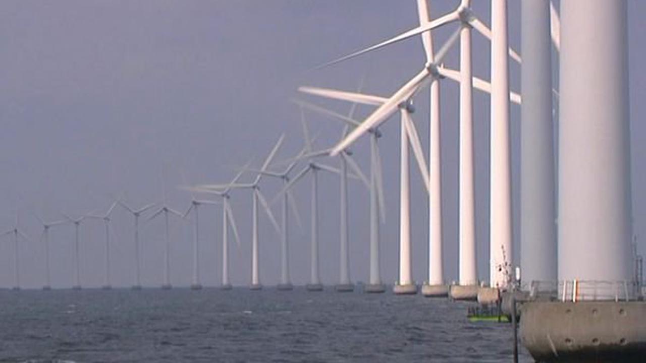 Des pêcheurs sont vent debout contre les éoliennes en mer
